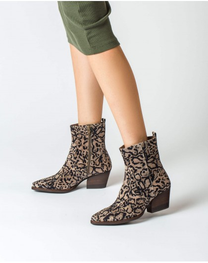 Wonders-Ankle Boots-Pointy toe cowboy ankle boot