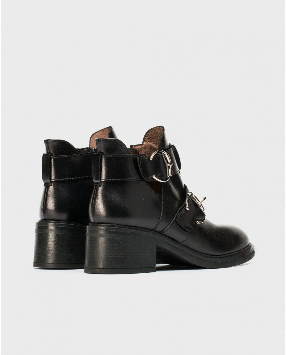 Wonders-Outlet-Leather ankle boot with cut out
