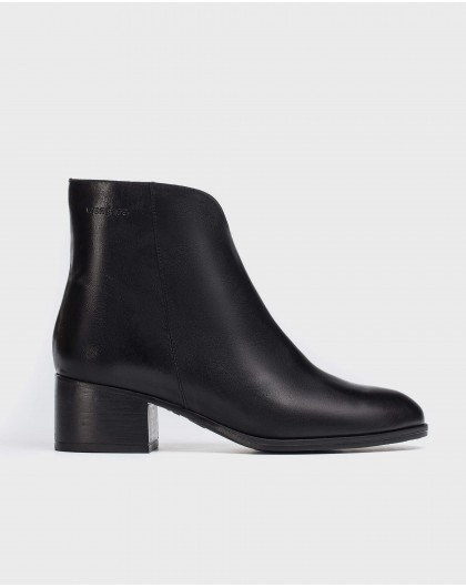 Wonders-Ankle Boots-Ankle boot with front cut out detail