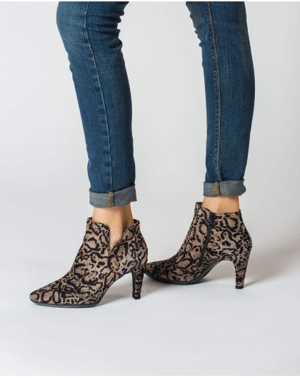 Wonders-Ankle Boots-High heeled cut out ankle boot