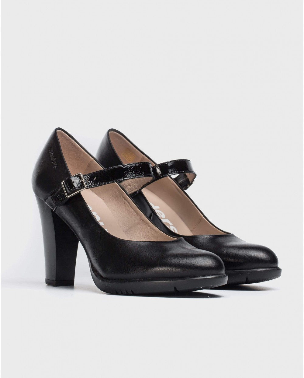 Wonders-Heels-Leather court shoe with strap