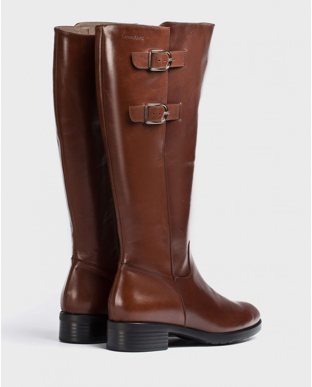 Wonders-Boots-Boot with buckles for a wider fit