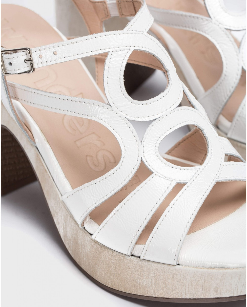 Wonders-Women-Sandal with circles