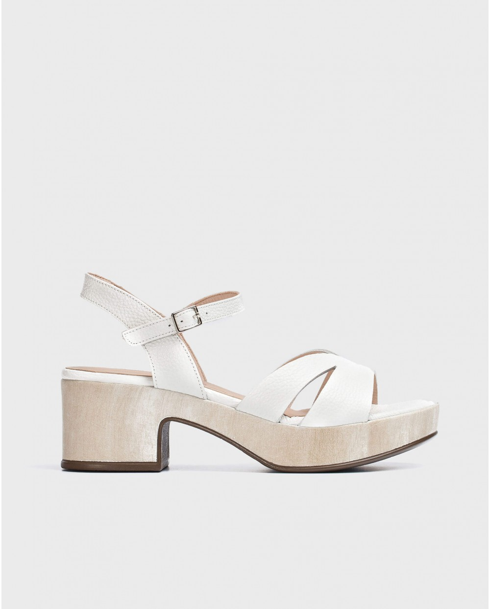 Wonders-Heels-Wedge sandal with V cut out