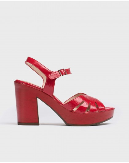 Wonders-Heels-Sandal with side cut out detail