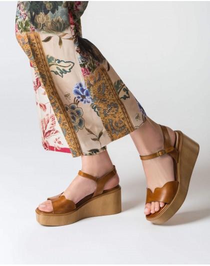 Wonders-Women-Wave platform sandal