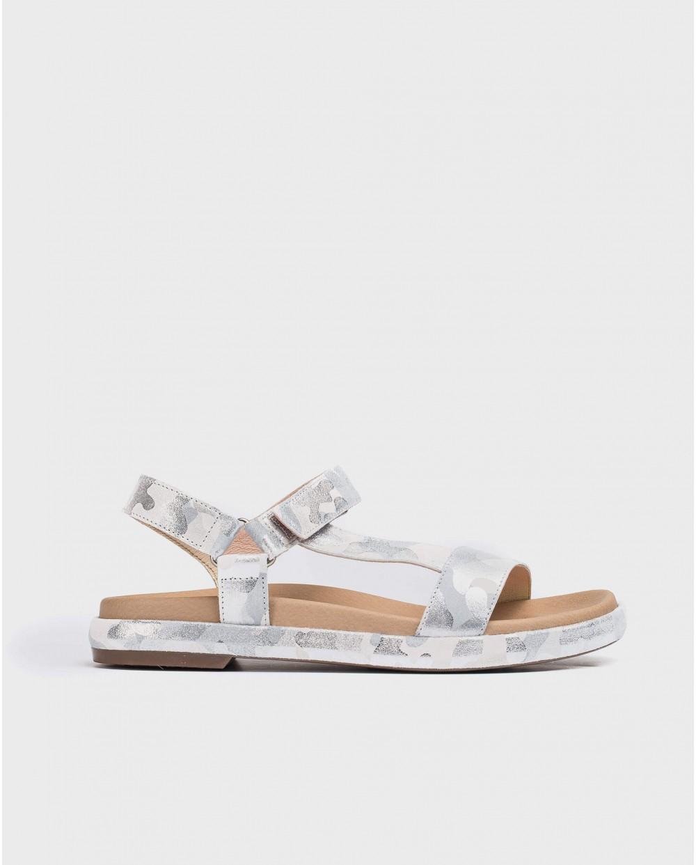 Embossed BIO sandal