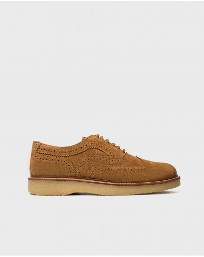Leather shoe with brogue detail