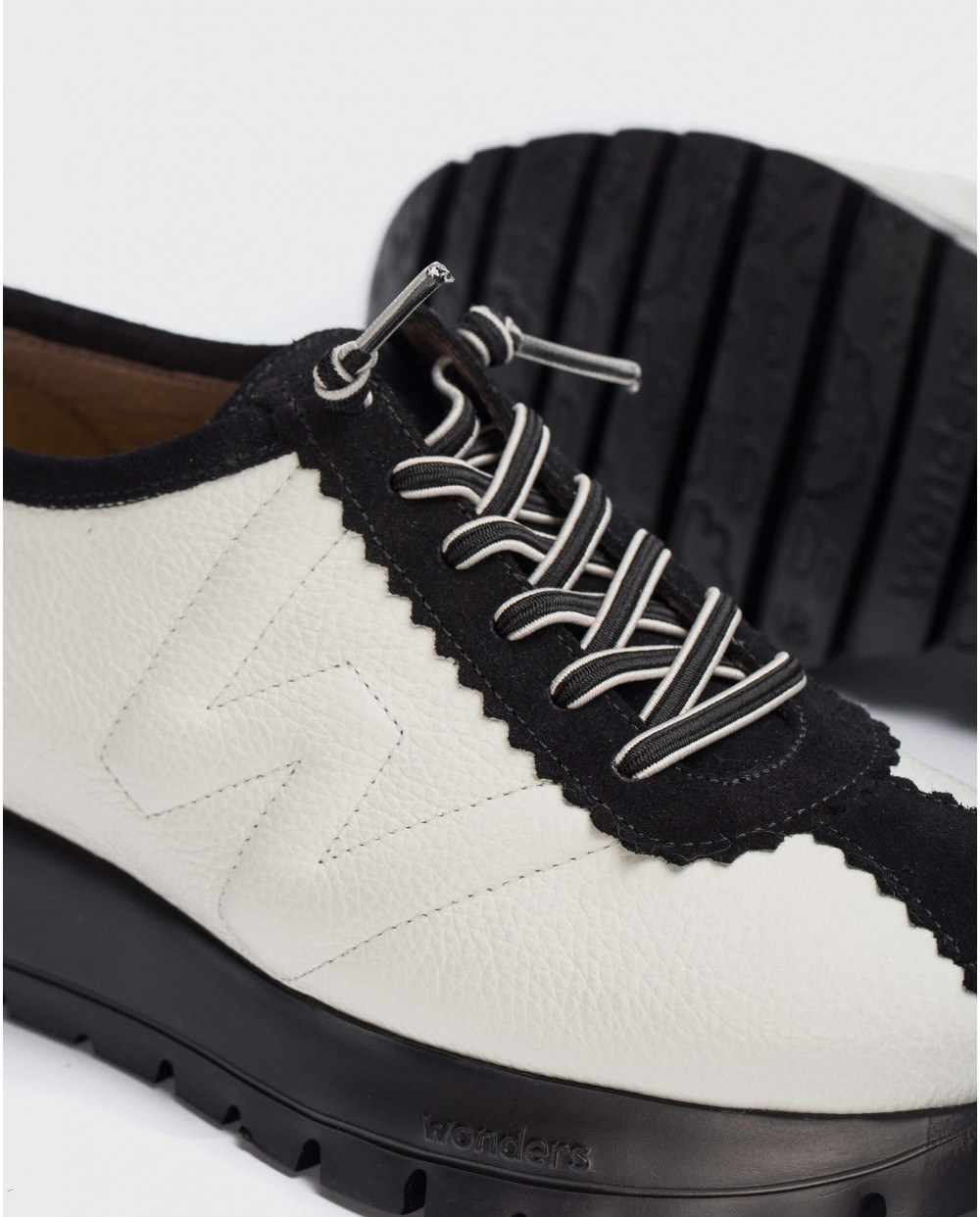 Wonders-Flat Shoes-Two-tone B-Star Sneaker