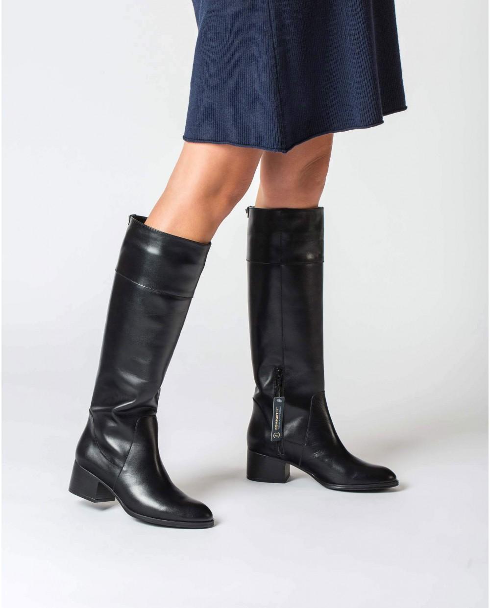 Black Dallas Boot