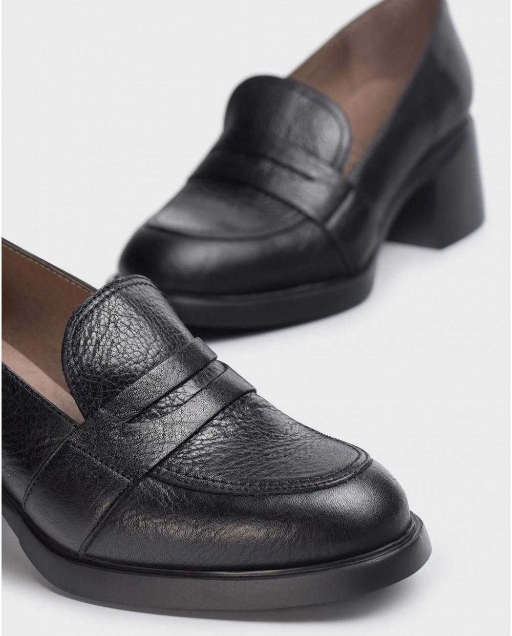 Black shoes Durham