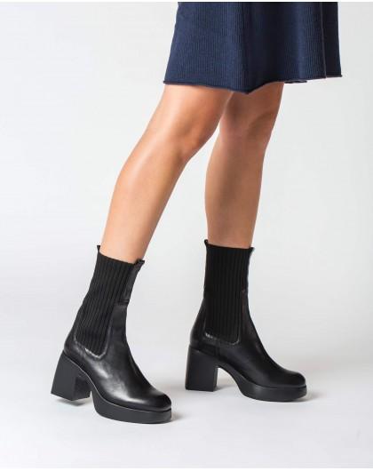 Wonders-Ankle Boots-Black Parrot