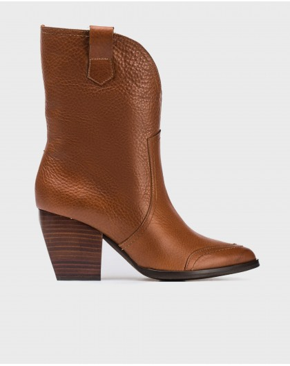 Wonders-Ankle Boots-Engrave leather 3/4 boot.