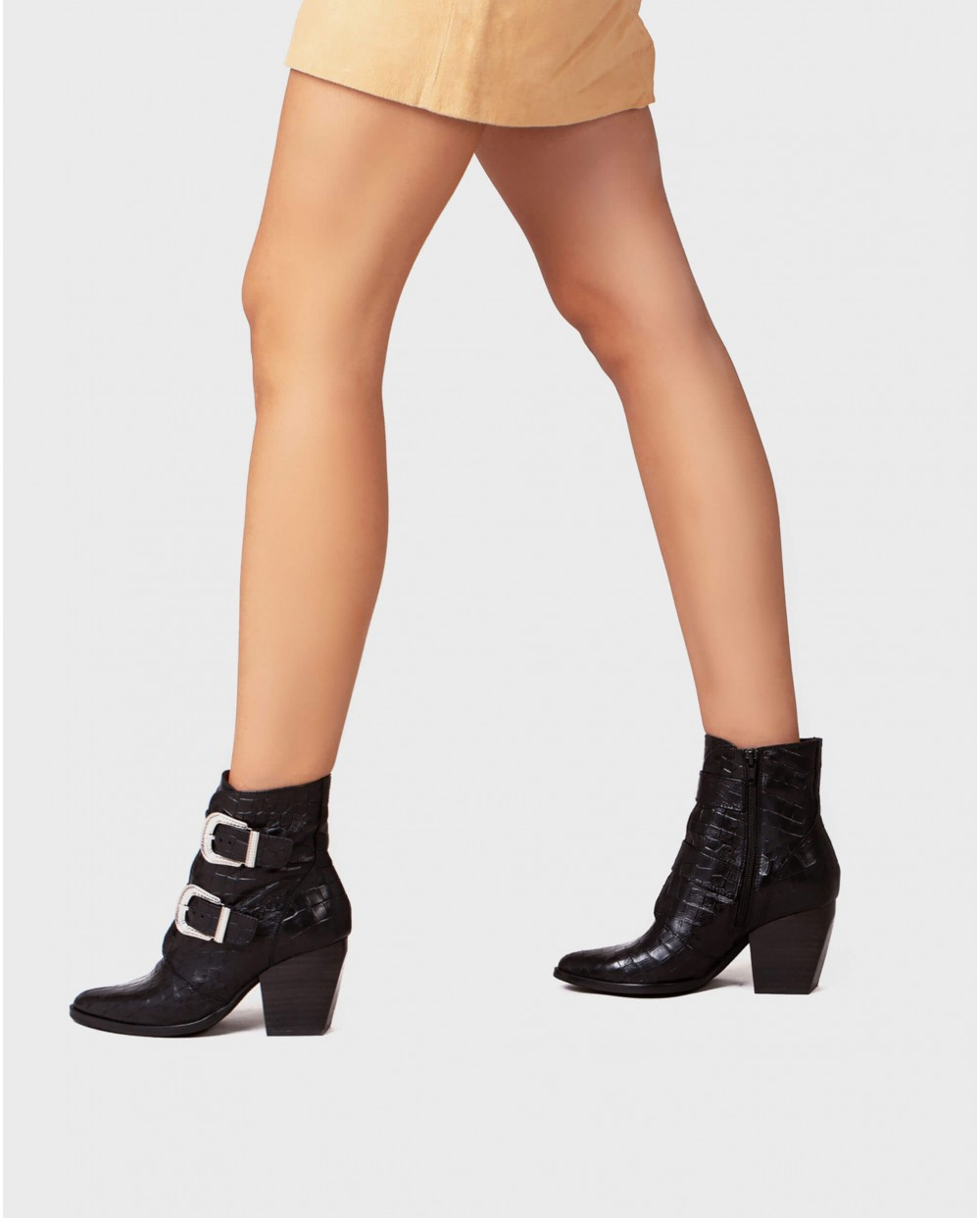 Wonders-Ankle Boots-Engraved leather ankle boot