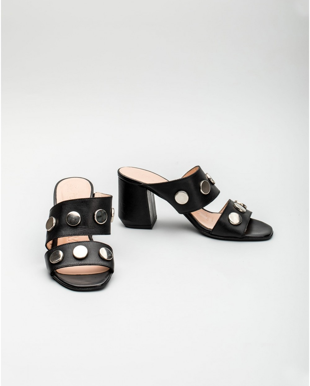 Wonders-Outlet Women-Leather mule with metallic detail