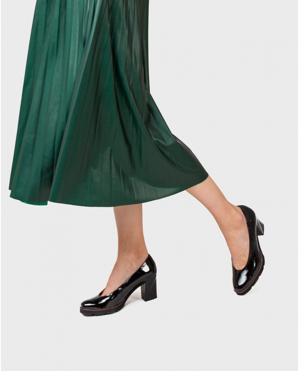 Wonders-Outlet-Patent leathe high heeled shoe