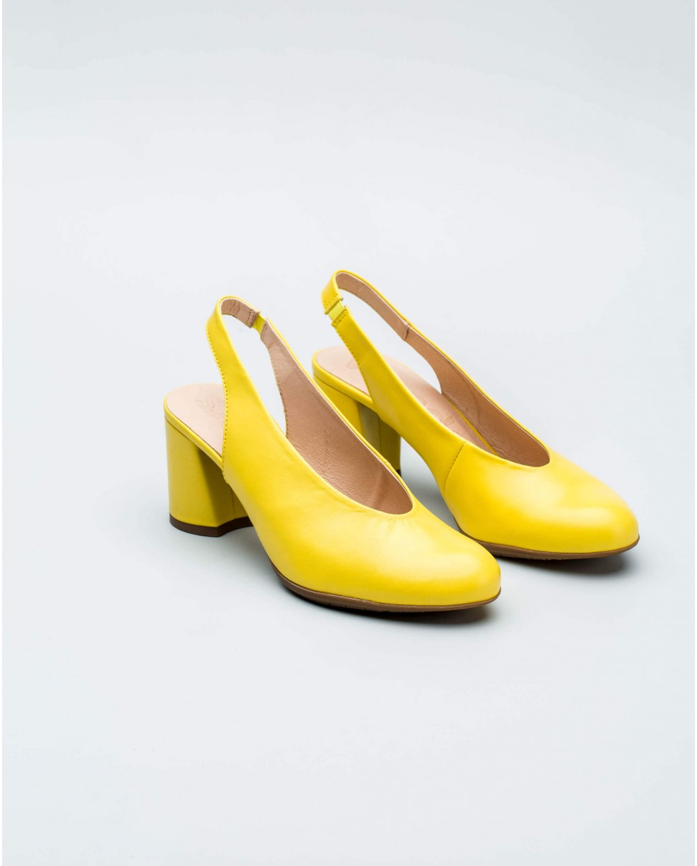 Wonders-Collections-High cut slingback court shoe