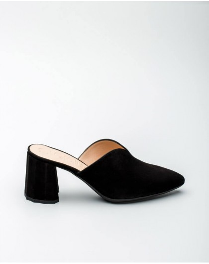 Wonders-Women-Mule with cut out detail