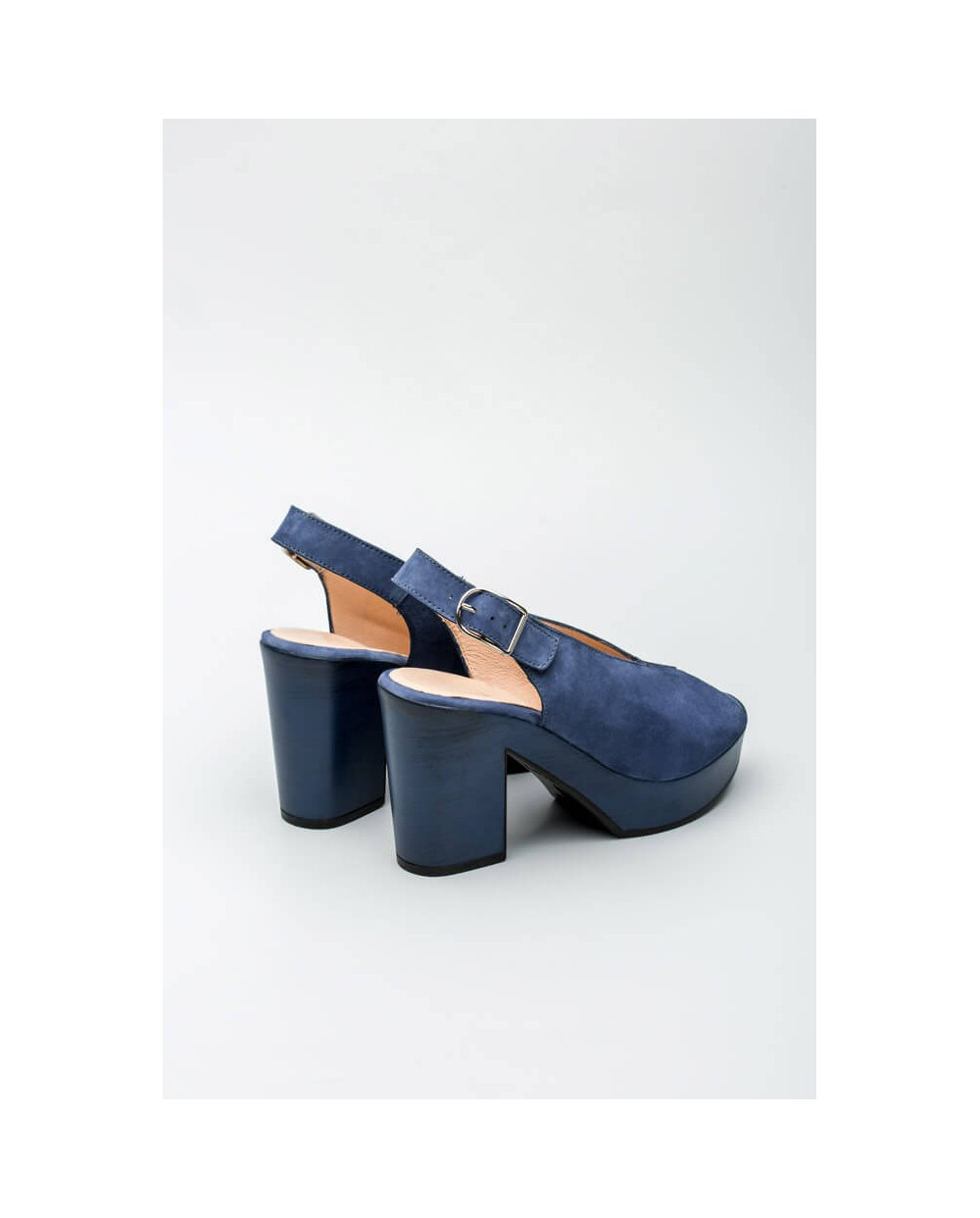 Wonders-Outlet Women-Leather peep toe sandal with oval throat
