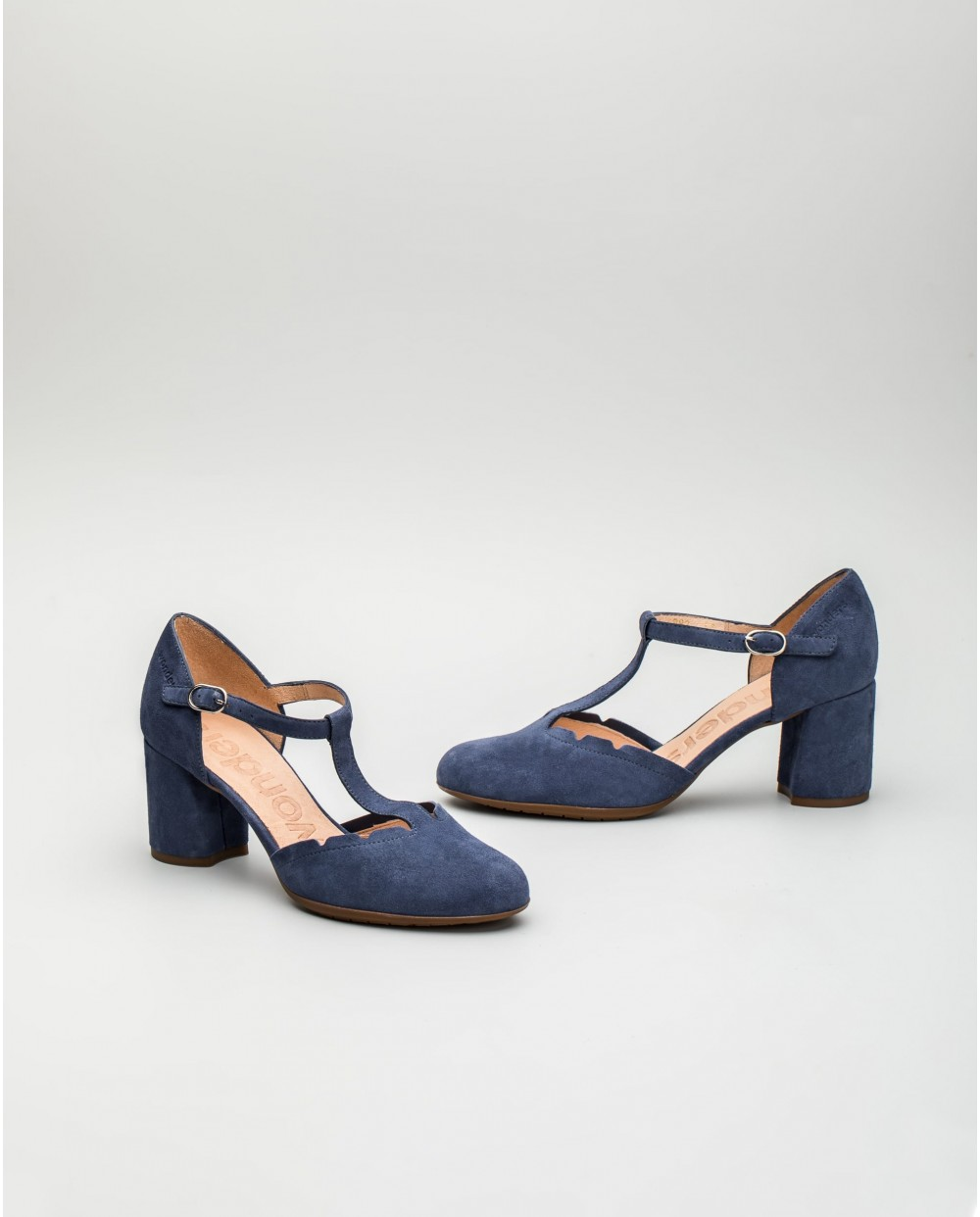 Wonders-Outlet-Sandals with criss/cross straps