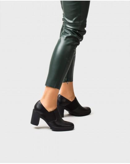 Wonders-Heels-leather platform shoe