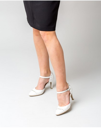 Wonders-Heels-Leather court shoe with stud detail