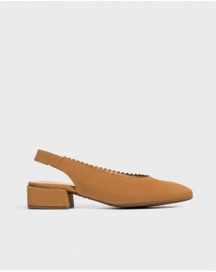 Wonders-Women-shoe with a semi-circle cut detail