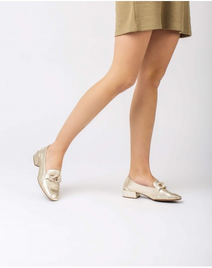 Wonders-Women-Moccasin with chain detail