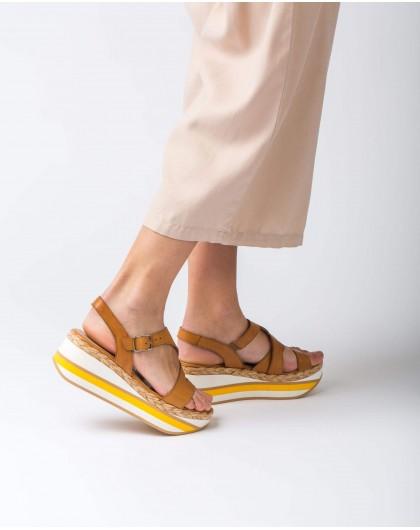 Wonders-Outlet-Leather platform sandal with straps