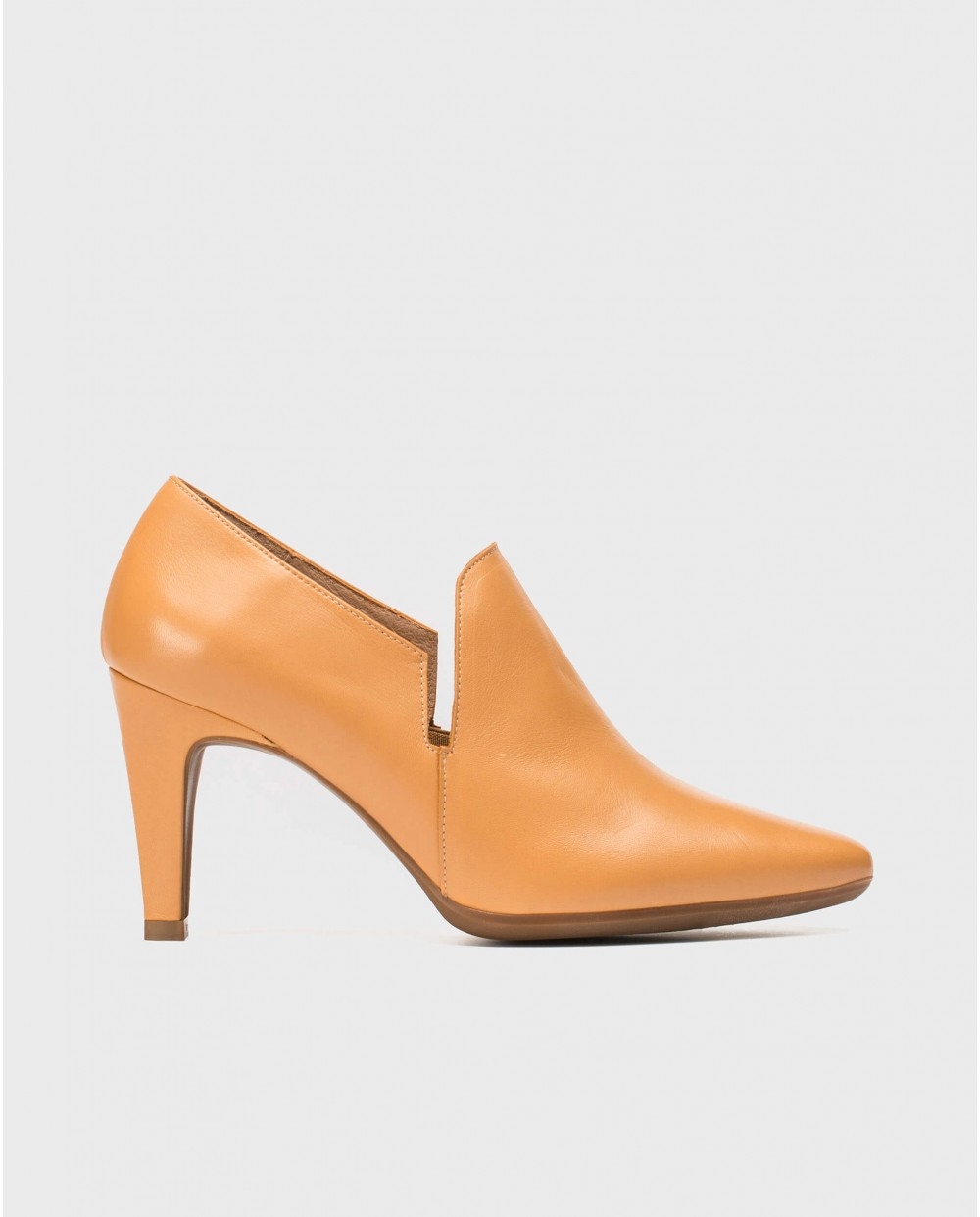 Wonders-Outlet-Leather boot inspired shoe
