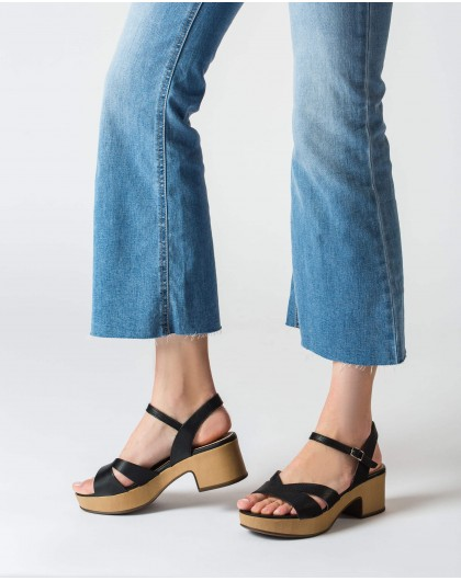 Wonders-Women-Wedge sandal with V cut out